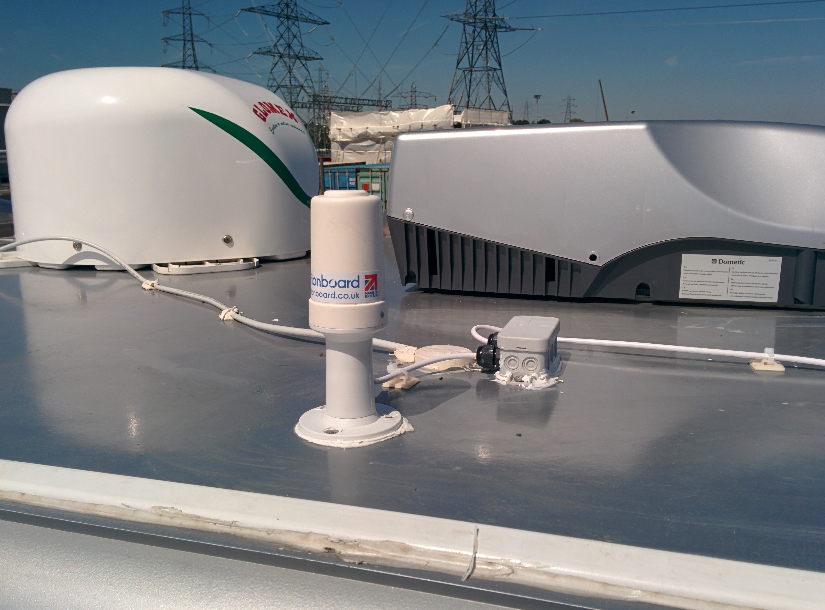 Mimo Motorhome Internet Options: B315 4G Router With High Gain MiMo Motorhome Roof Mount